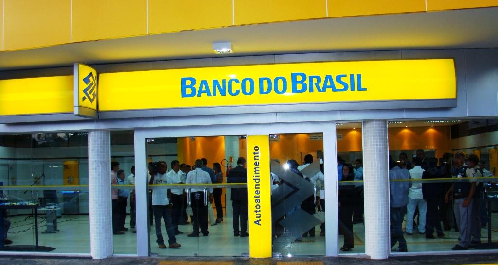 Banco do Brasil anuncia Concurso Público para Escriturário profissionais de nível médio salário de R$ 2.718,73.